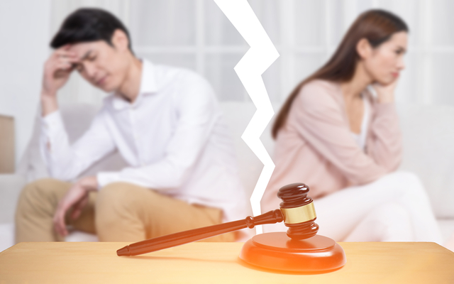 离婚办理房产证需要2个人吗